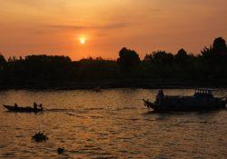 Halong Bay Romantic Destinations Asia https://pixabay.com/en/vietnam-mekong-river-boat-trip-344297/