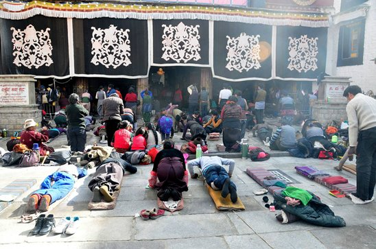 Barkhor Street- the most famous bazaar in Lhasa city
