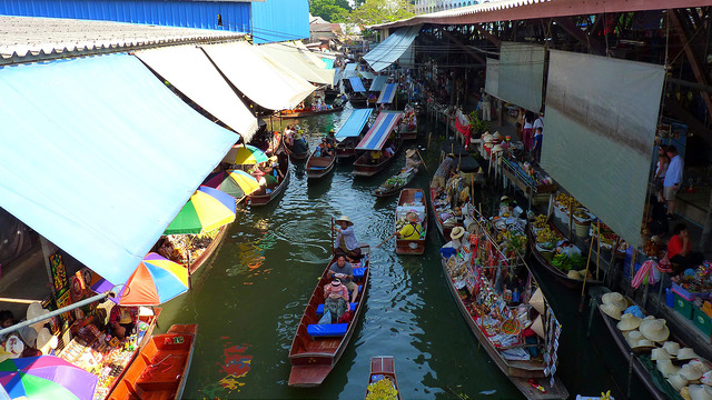 what to see in Thailand Damnoen Saduak Floating Market