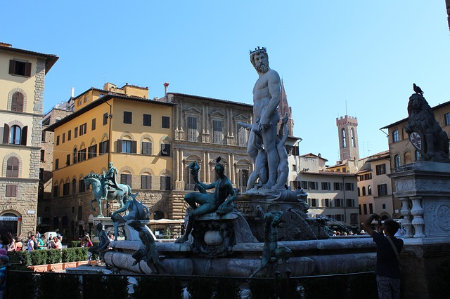 Piazza della Signoria is one of top 5 things to see and do in Florence Italy