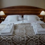 Cheaper Ways to Lodge than a Hotel