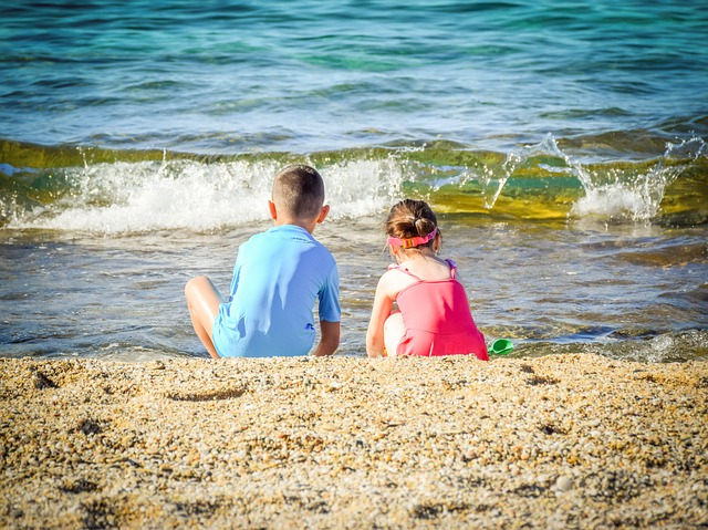 Kids Entertained on Vacation Without Spending a Fortune