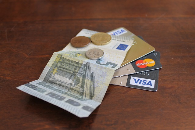 Private: Top 5 money tips while traveling