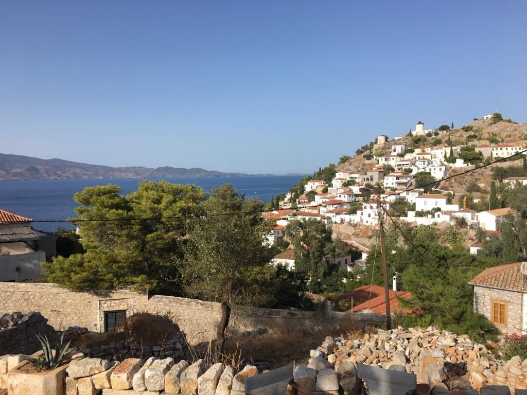 pretty greek island of hydra