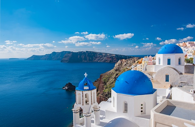 Island hopping in Greece is one of the top 100 things to do before you die