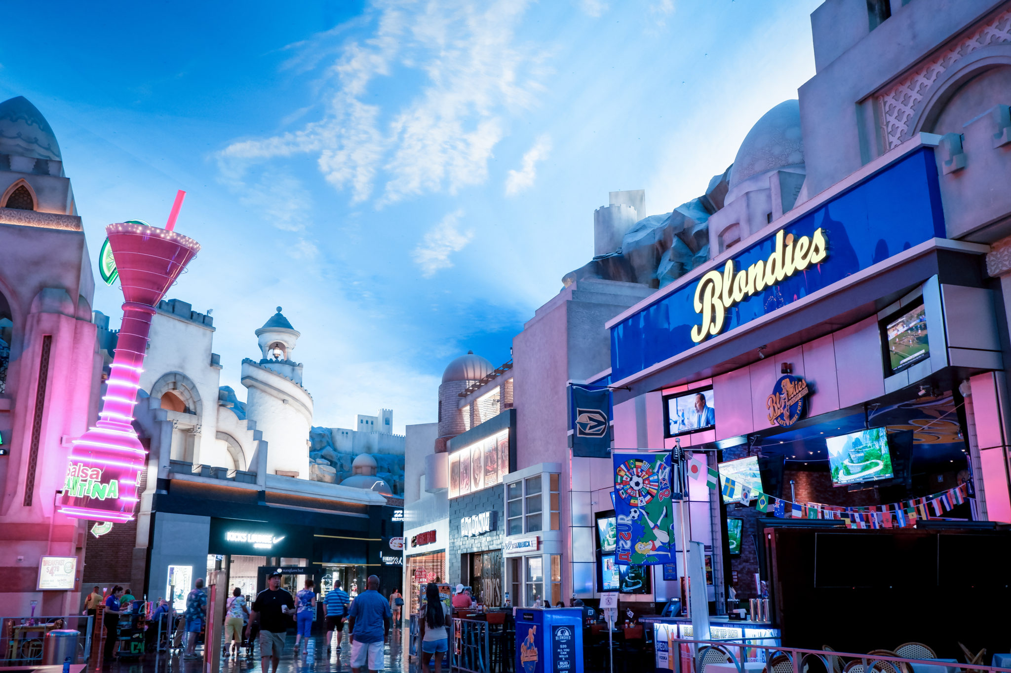 Miracle Mile Shops weekend in Las Vegas | The Savvy Globetrotter