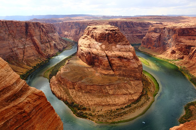 Horseshoe Bend American Bucket List Challenge