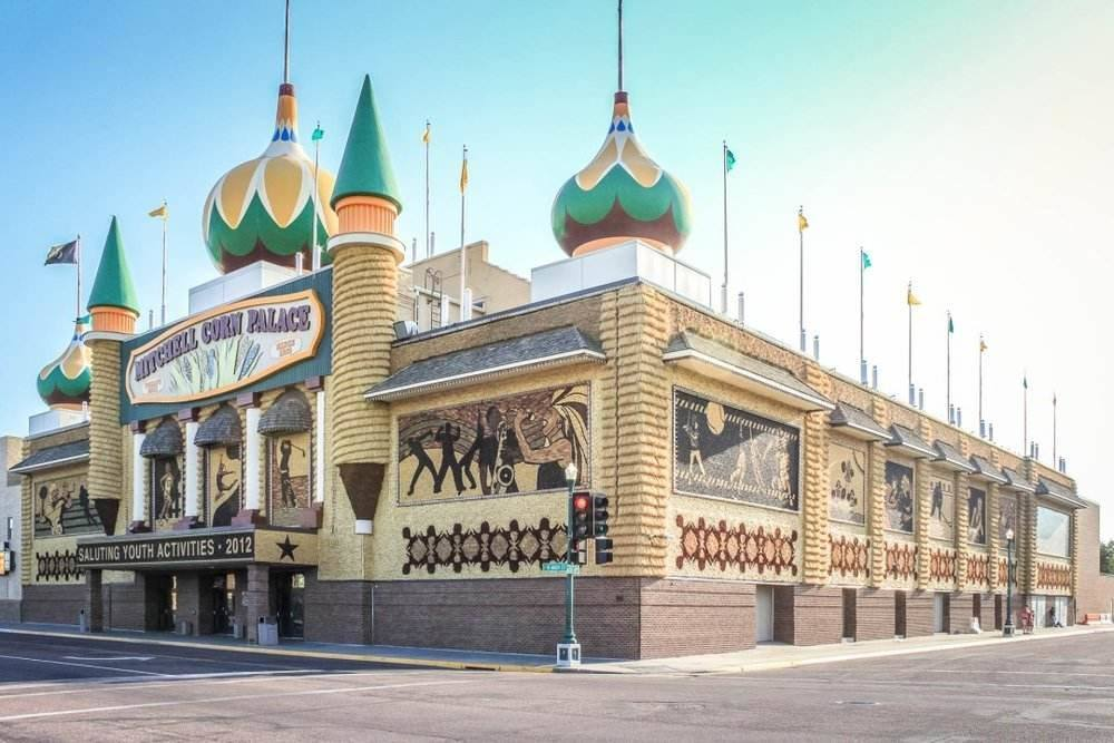 Michell Corn Palace Roadtrips USA