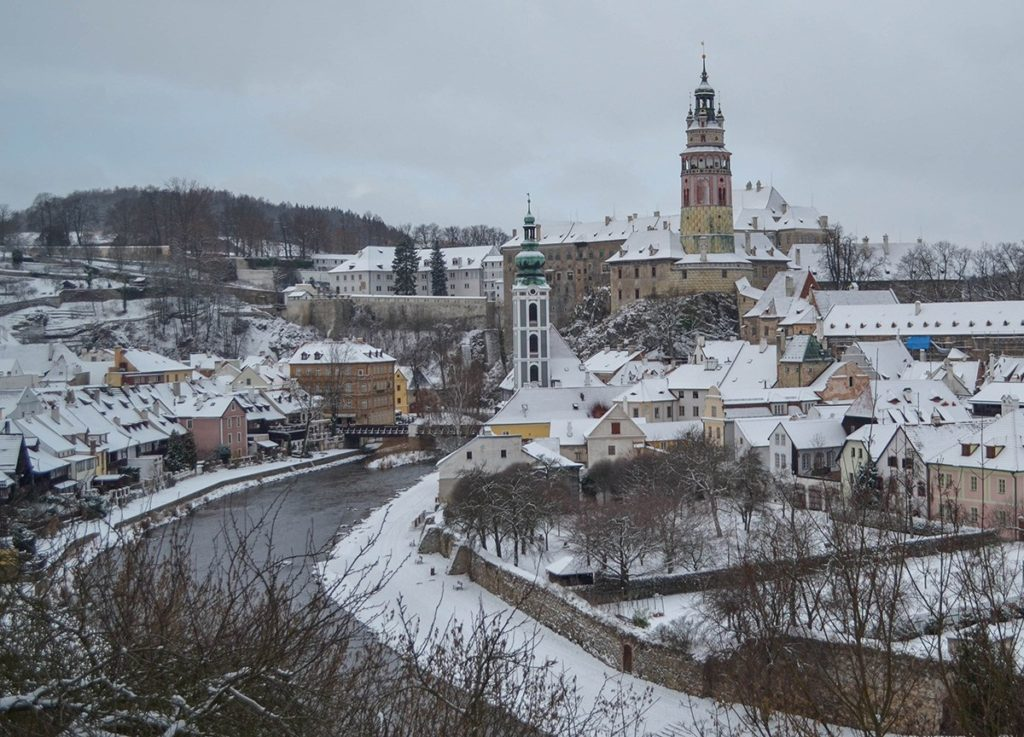 esky-Krumlov-in-Winter-Snow-Czech-Republic