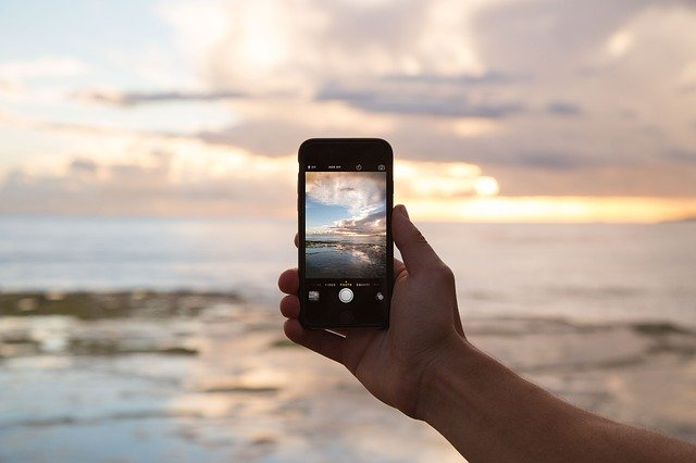 using phone while traveling