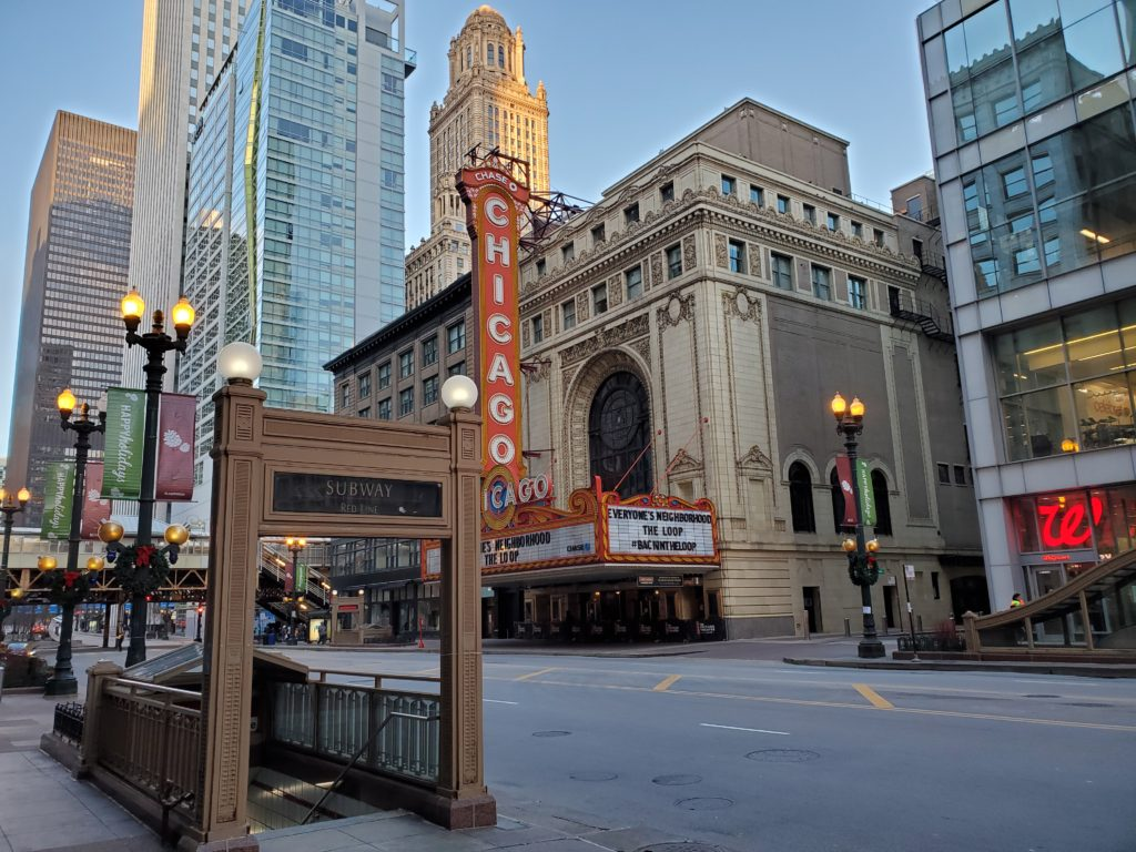 Chicago Theatre instagram photo spot